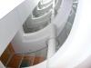 barandilla-con-vidrio-en-centro-empresarial